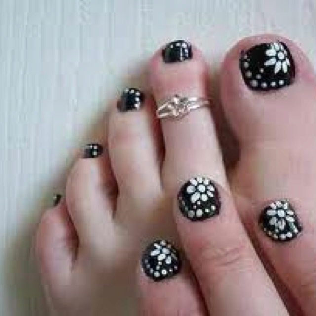 162 best toe nails images on pinterest nail designs beautiful get ready to make your toe nails awesome with the highlights of cute toe nail designs now you would be thinking in mind that what toe nail designs have prinsesfo Image collections