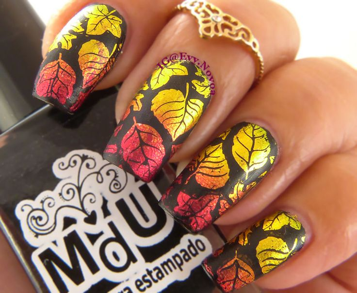 #uñasestampadas #sexynails #moda #estilo #style #fashion #fashionnails #fall #fallnails #otoño #uñasotoñales #foilnails