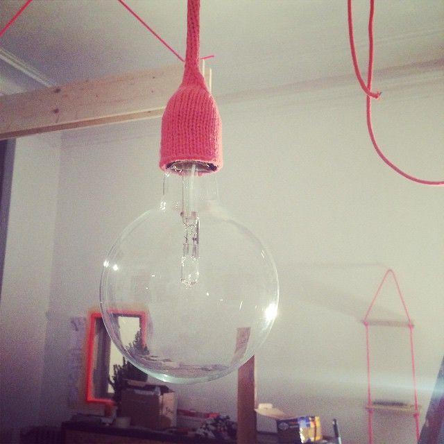 Luminaire en crochet Home Made - Réalisé par TULAVU l'Équipe