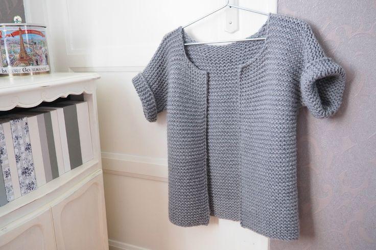 Je tricote mon premier gilet.