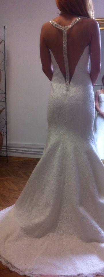 Magda Gealapu Designer https://www.facebook.com/pages/Magda-Gealapu-Wedding-Dress/269377123228550 .