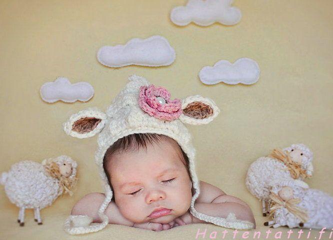 Virkattu hattu- pikku lammas