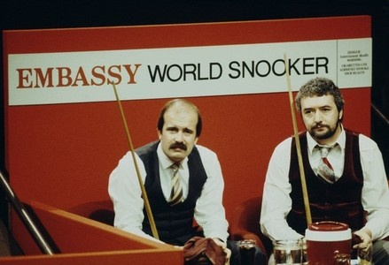 I'm in love with this image. It gives me a nostalgic feeling. (John Virgo & Willie Thorne in 1984)
