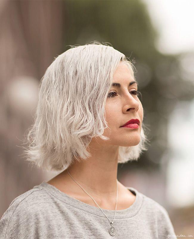 Platinum-grey hair, lipstick / Garance Doré Cabelo Curto e Platinado - 7