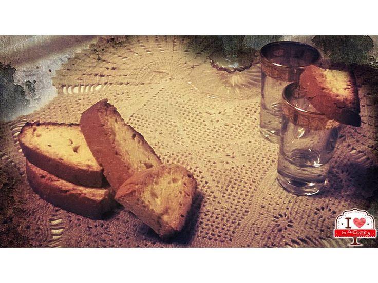Abbiamo già parlato delle qualità digestive dell'anice quando abbiamo fatto il ciambellone all'anice!!! Non si può non accompagnare questo biscotto ad un buon bicchierino di sambuca dopo cena!!!  #ilovebaqery #anicini #biscotti #proprietàdigestive #sambuca #dopocena
