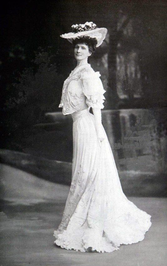 Lovely Lady wearing the latest French fashions, circa 1905-1906