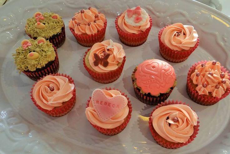 Cupcakes para baby shower niña