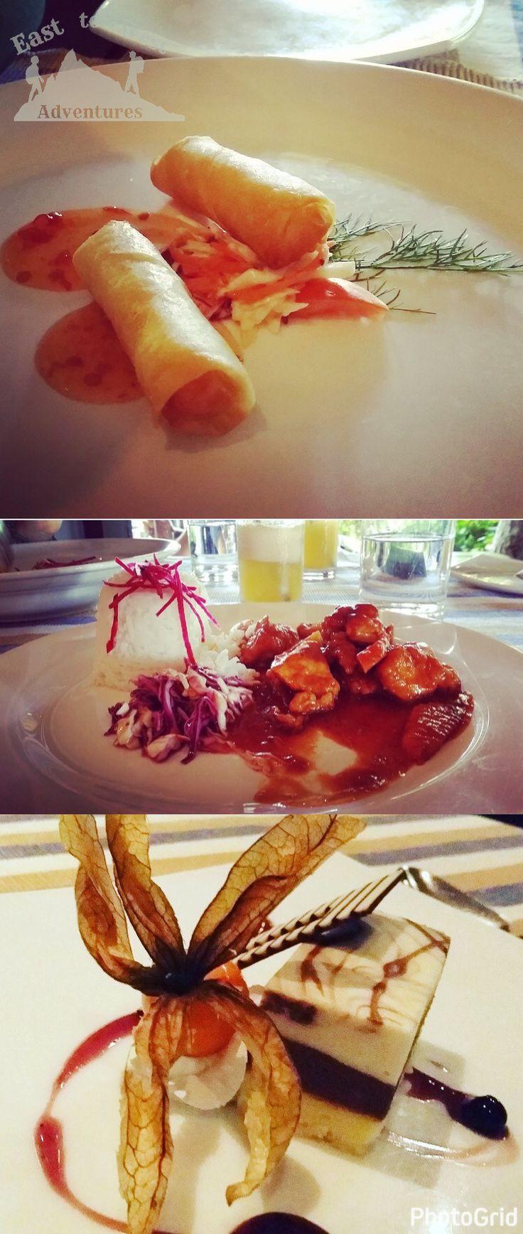 5 star meal in the Maldives 😍 وجبة خمسة نجوم في المالديف    #easttowestadventures #maldives #travelblogger #travelphotography  To know more about our trip to the Maldives check the blog لمعرفة المزيد عن رحلتنا إلى جزر المالديف يمكنك قراءة المدونة على الرابط http://www.easttowestadventures.com/en/