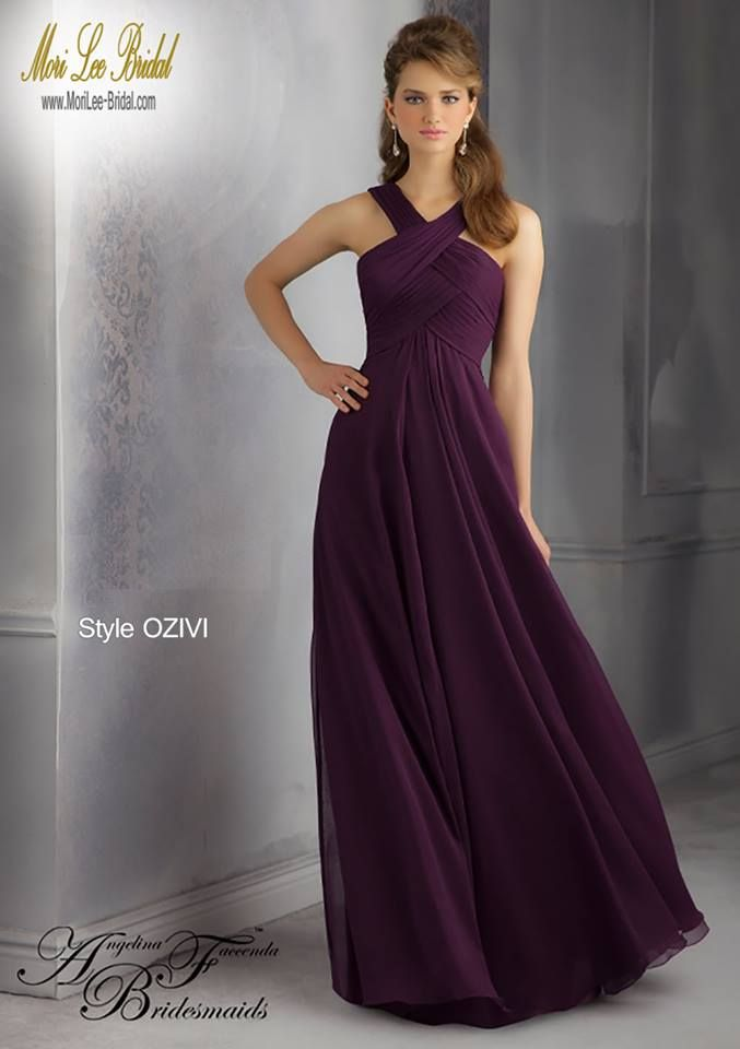 Style OZIVI Luxe Chiffon Bridesmaid Dress  Floor length. Zipper Back. Available in all Luxe Chiffon colors. Sizes Available: 2-28.  Precio: $643.500 Pesos Colombianos. Precio: $292.00 Dolares Americanos.