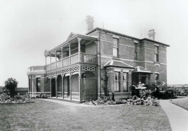 GLEN EIRA HOUSE - located in Caulfield, dated to 1881, architect Thomas Watts - DEMOLISHED (ca: 1964)