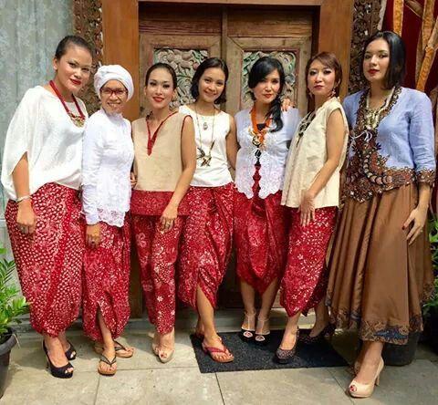Mix match rok batik merah