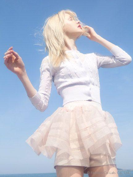 snidel : チュールぺプラムスカート×ショートパンツ