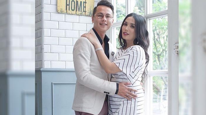 Instagram Ussy Sulistyawati - Makan Duren Saat Hamil, Istri Andhika Pratama Ini Diperingatan Netizen