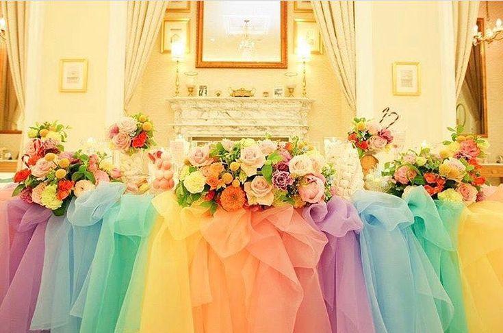 いいね!1,747件、コメント2件 ― プレ花嫁の結婚式準備サイト marry【マリー】さん(@marry_editors)のInstagramアカウント: 「◌ ❁˚ カラフル虹色の#チュール高砂、 #レインボー高砂 が可愛すぎる * タックを寄せたボリューム感も とーっても素敵✨ とにかく華やかな、 写真映え最高の#高砂装飾 です…」