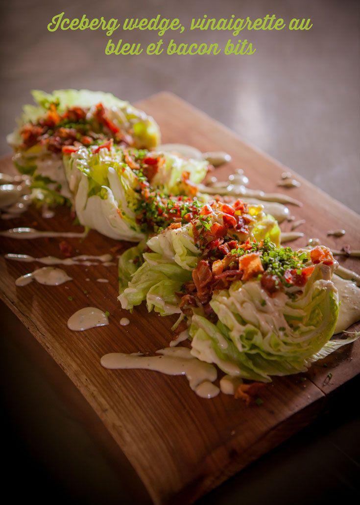 Iceberg wedge, vinaigrette au bleu et bacon bits de Martin Juneau sur Zeste.tv - #iceberg #salad #classic #cheese #blue #bacon #bits #homemade #apetizers #ontheroad #zeste #zestetv #recetteszeste #chefzeste #martinjuneau #menuszeste