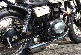 250TR カスタムバイク|250ティーアールのコンプリート車両をご紹介。ストリートカスタムのご相談は【イージーライダース】