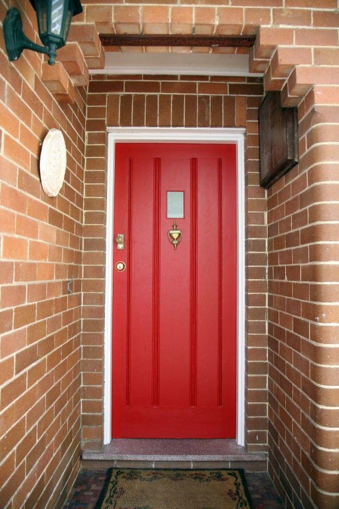 Love me a red front door