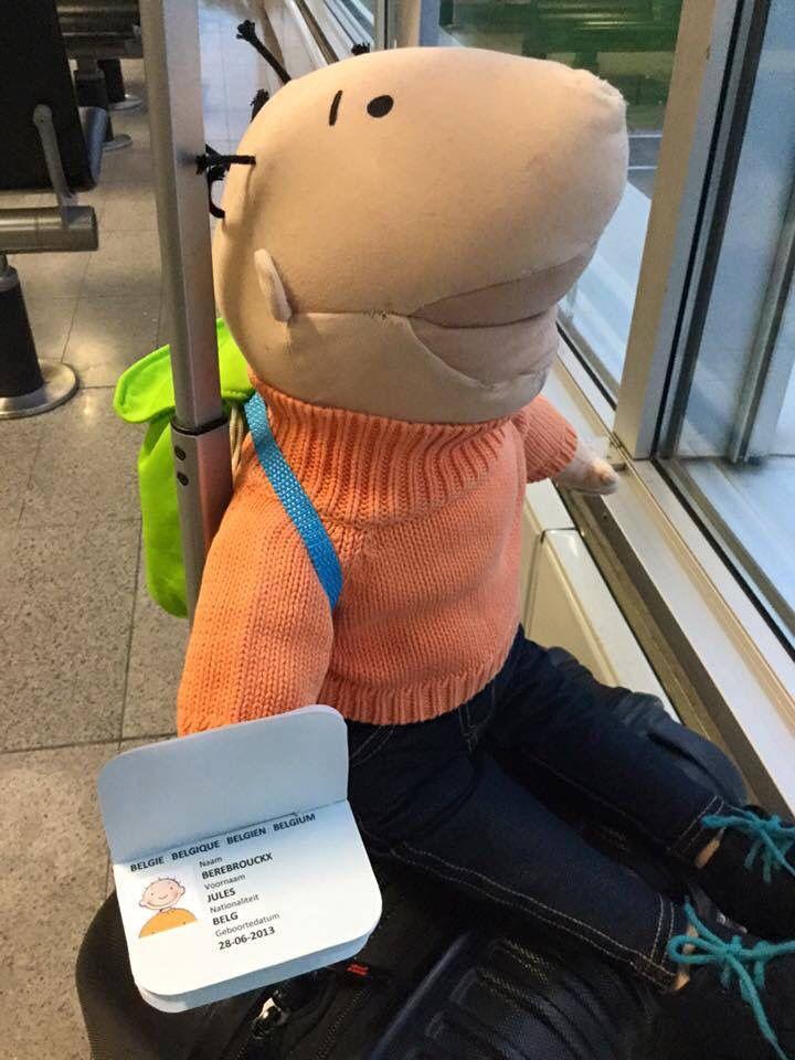 Jules op reis paspoort