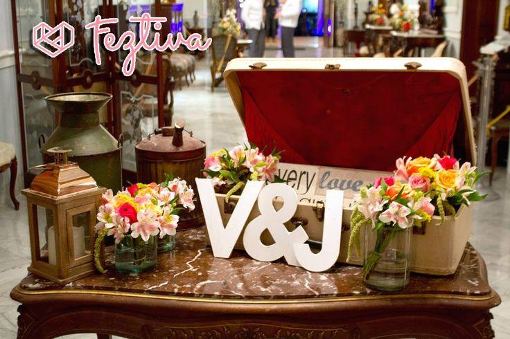 Qu tal una mesa de bienvenida para decorar la entrada a - Como decorar una entrada ...