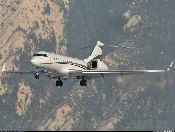 OE-IEL Global Express Tyrolean Jet Services  copyright: Stefan Neubold