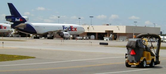 Barredora Tennant 4300 ATLV en Aeropuerto