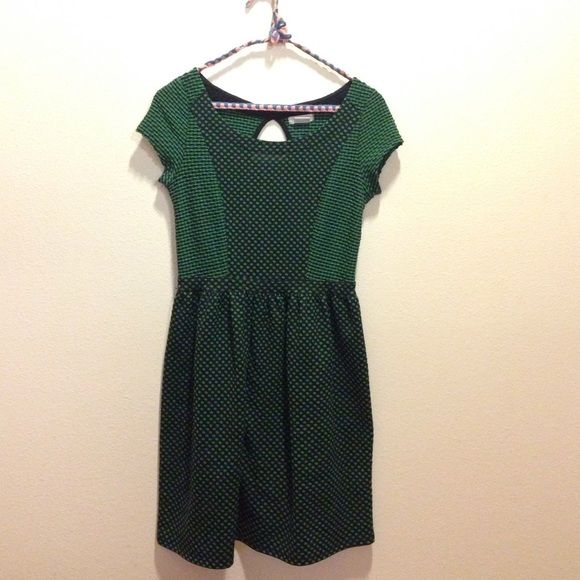 Super cute green and back dress! Not in stores anymore, like-new condition. Would fit size 4-6. Stretch material. Urban Outfitters Dresses