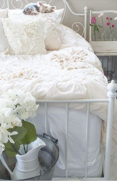 If Only I Could Have A Girly Bedroom Again :(
