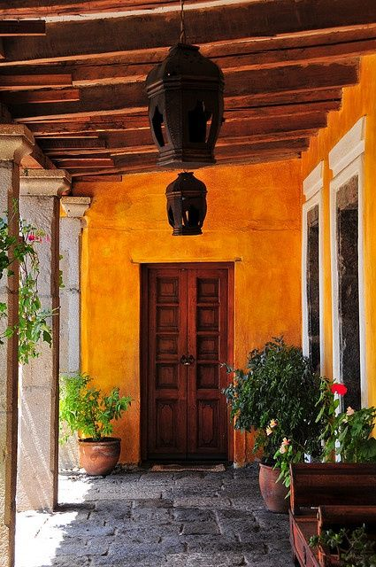131 best mexican courtyards images on pinterest for Mexican porch designs