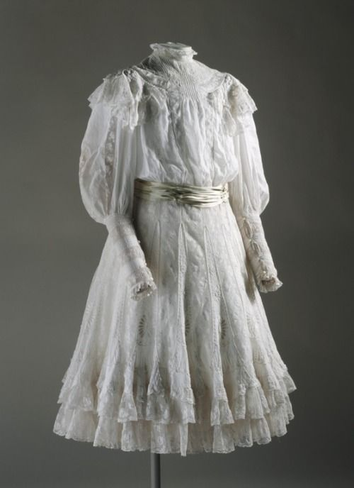 Girl's Dress Made Of Cotton Lawn And Cotton Thread Embroidery - England   c.1900  -  The Los Angeles County Museum of Art