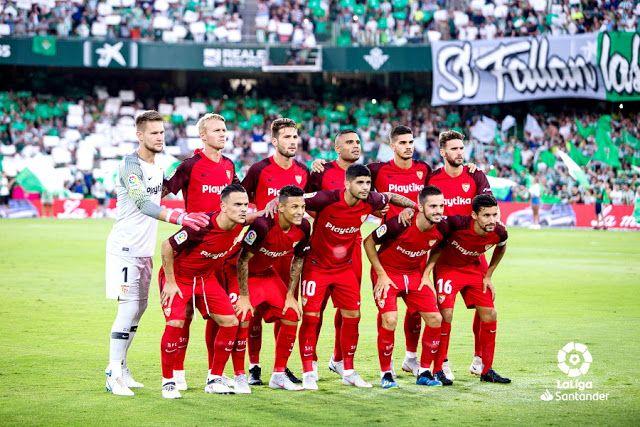 Sevilla F C Temporada 2018 19 Tomas Vaclik Kjaer Franco Vazquez Gabriel Mercado Andre Silva Y Sergi Gomez Roque Mesa Balompie Betis Equipo De Futbol