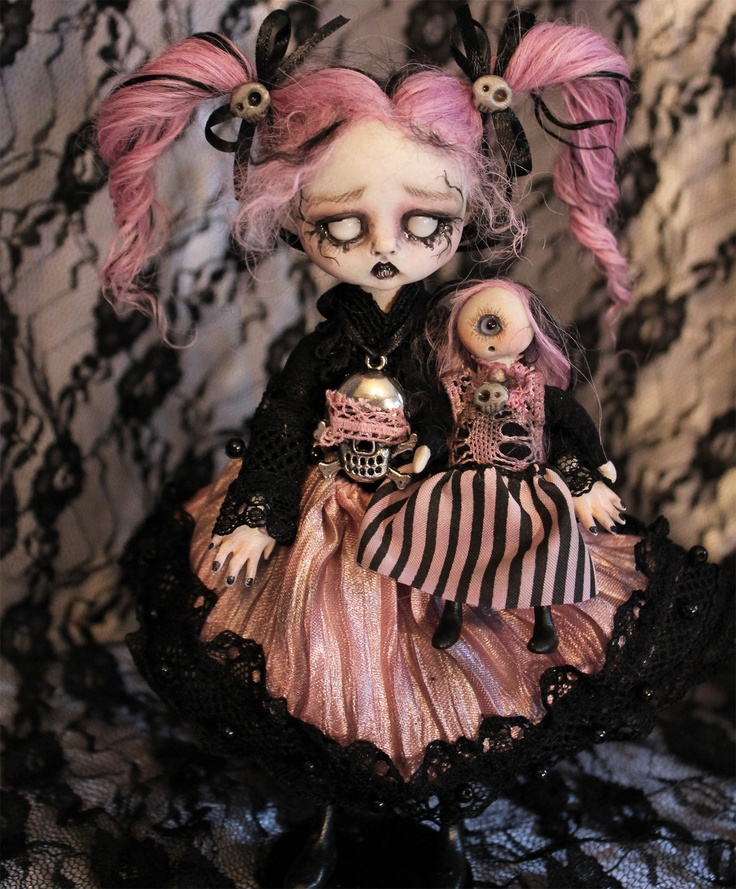 17 best images about lil 39 poe collection goth dolls part 2 for Creepy gothic pictures
