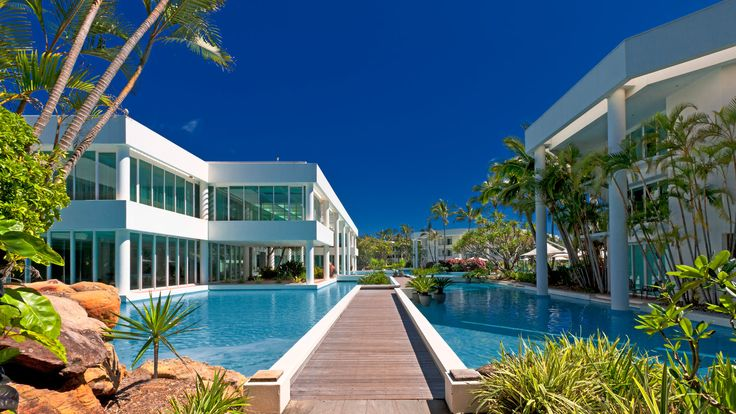 Sheraton Mirage Resort - exterior
