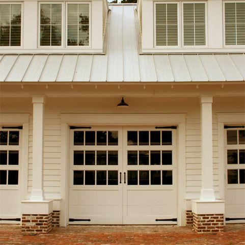 Colonial garage carriage house design ideas pictures for Colonial garage