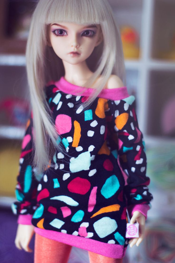 Just added a new MSD sweater to the shop! This one is full of color! <3 _ http://etsy.me/2CZnMEz  _ #minifee #bjd #balljointeddolls #etsy #msdclothes #msddoll #minifeechloe
