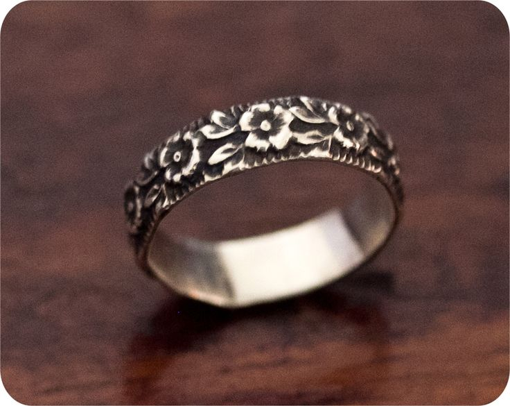 Sterling Silver rose ring..Vicky....didn't we have this when we were younger. Xxx
