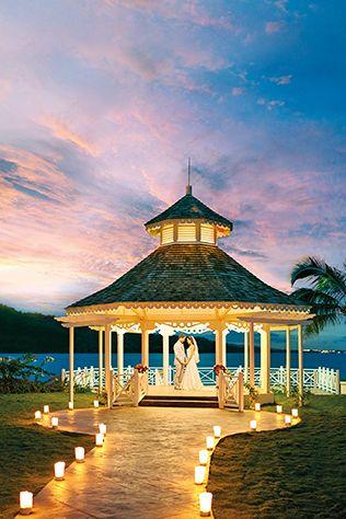 Destination Weddings - Your Fairytale Wedding Is Possible at Palace Resorts #destinationwedding