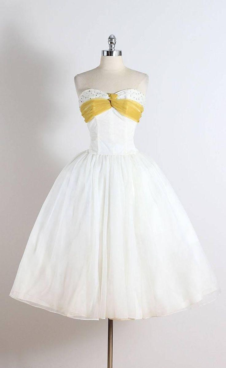78 Best images about BEAUTIFUL VINTAGE DRESSES on Pinterest ...