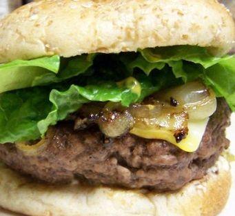 hamburgerkruiden-maken: 2tl paprikapoeder - 2tl zwarte peper - 2tl knoflookpoeder - 2tl zout -2tl rietsuiker - 1tl uienpoeder - 4tl uienpoeder