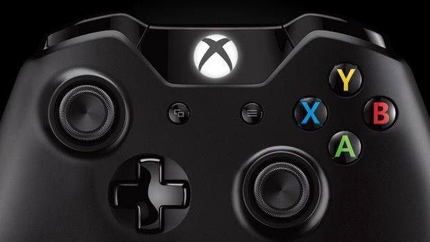 The all new XBOX One Controller.  Cuatro motores de vibración inmersiva. Capacidades infrarrojas mejoradas que por ejemplo pueden cambiar la posición te tu pantalla en Split screen si tu cambias de posición en la sala. Y muchas otras mejoras que hacen de la experiencia algo sin igual