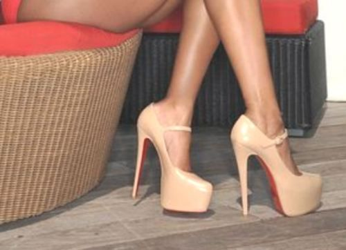 LOVELOVELOVE: Killers Heels, Birthday Presents, Nudes Shoes, Christian Louboutin Shoes, Nudes Heels, High Heels, Mary Jane, Green Dresses, Christianlouboutin