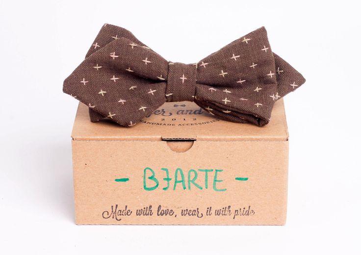 Brown arrowhead bow tie - Bjarte by Badger & Fox