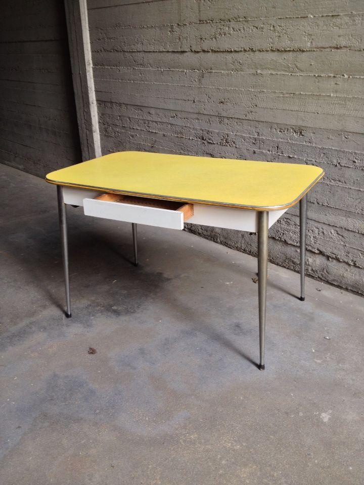 Tavolo formica giallo #vintagetable#tavoli#vintage