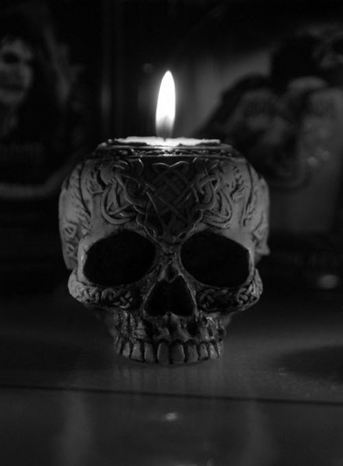 Black skull candle holder