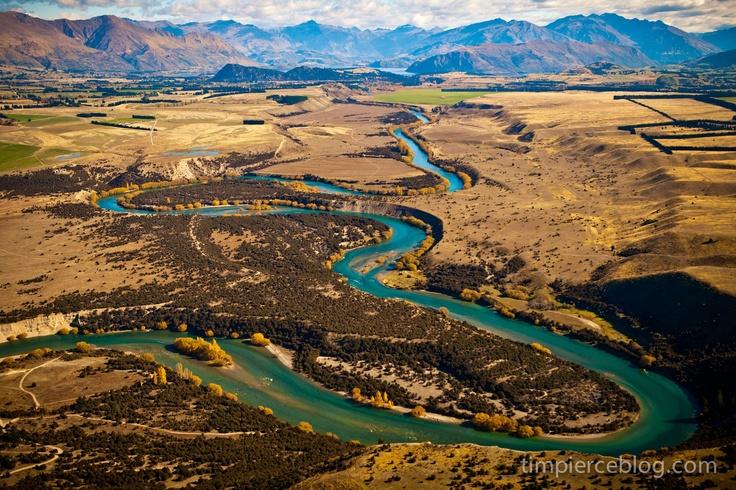 mighty Clutha River - wanaka, New Zealand