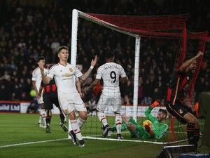 Manchester United confirm Guillermo Varela departure