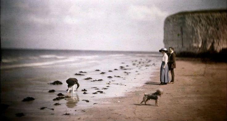 John Cimon Warburg - Margate Beach (Blue Girl), c. 1908 Autochrome