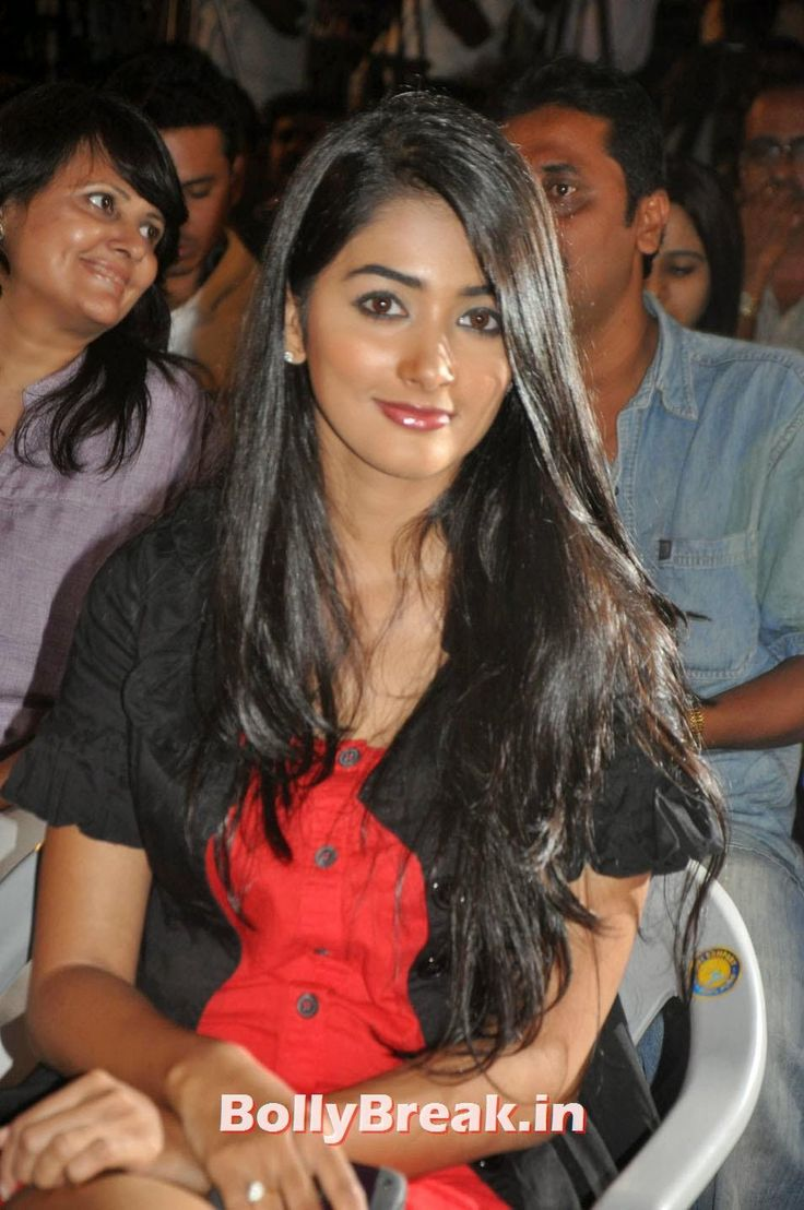 Mohen Jo Daro Actress Pooja Hegde Hot Pics  - Ever Since Ashutosh Gowariker announced his next Mohen Jo Daro, the movie created buzz, even before he could finalise on the leads, and speculations only increased after he announced his collaboration with his Jodha Akbar actor hrithik Roshan. Pooja Hegde Will be lead actress of the movie Mohen Jo Daro , #hrithikroshan #poojahegde #mohenjodaromovie #bollybreak #bollywood #india #indian #mumbai #fashion #style #bollywoodfashion #bollywoodmakeup…