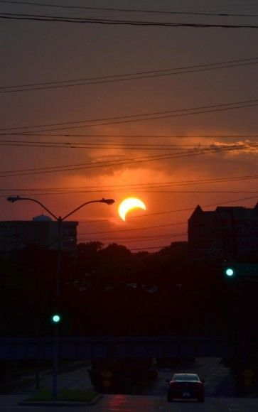 Eclipse in Dallas, Texas USA from our very own Jason Major.