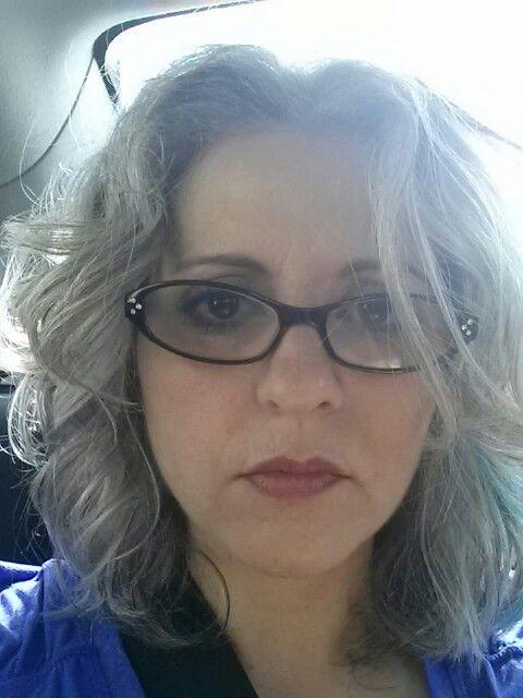 Color Eyeglass Frames Gray Hair : Tousled gray hair & glasses Hair Pinterest Gray ...