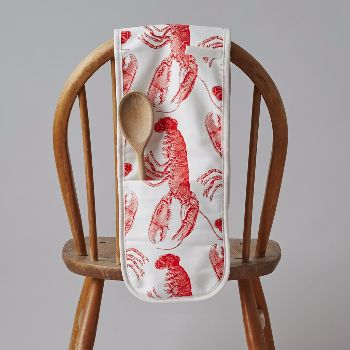 The Lobster collection introduces a refreshed new take on the classic Thornback & Peel Lobster print in a vibrant orangey red tone.  - 100% cotton oven glove printed with vibrant red Lobsters - Made in Great Britain